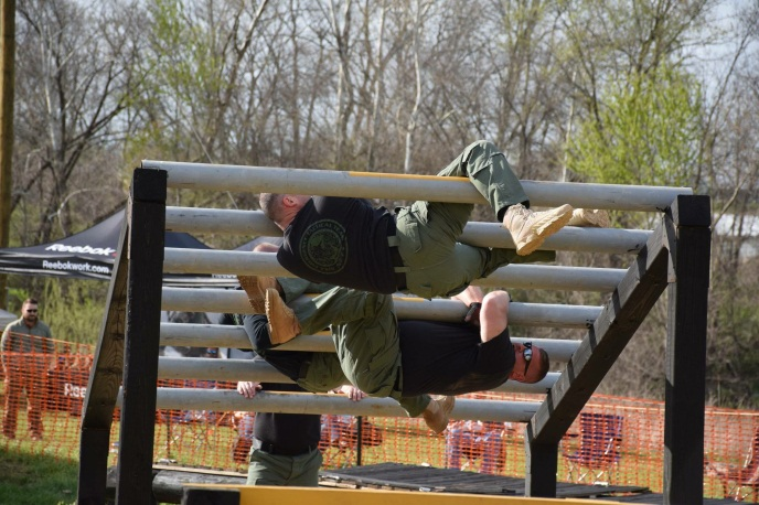 TACTICAL TEAM ON OBSTACLE COURSE